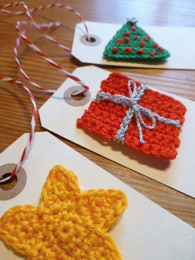 Virkade julklappsetiketter