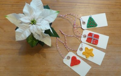 Lucka 13 – virkade julklappsetiketter