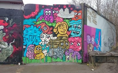 Garngraffitin i Snösätra hänger kvar!